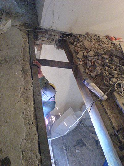 Демонтаж плит перекрытия: http://www.lukko.ru/dc/demontaj-plit-perekrytiya.html